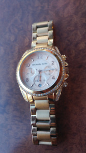 Authentic Women's Rose Gold Michael Kors MK-5263 Wrist Watch