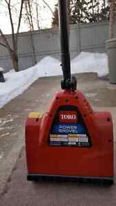 Nearly new Toro snow shovel
