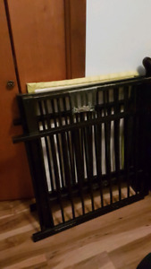 "Mini Crib - Great for Small Spaces 32"" x 38"""