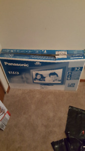 "32"" Led Panasonic Viera Flat Screen."