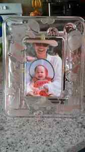 Beautiful pink baby frosty glass crystal-like photo frame