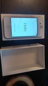 Iphone 4s 8gb virgin/bell