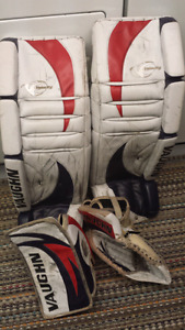 "34"" Vaughn Goalie Pads and Gloves"