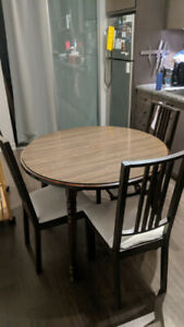 Round extendable dining table brown