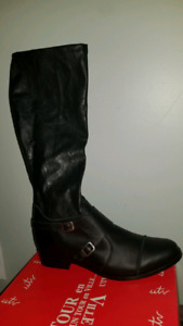 New leather boots size 10b