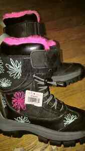 Girls Brand New Winter Boots Size 3 Bottes West Island Greater Montréal image 1