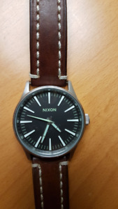 Nixon Watch - Sentry 38 - Great looking , like new