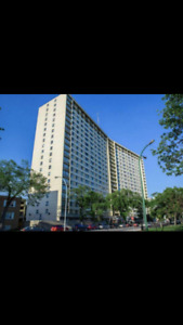 Downtown high rise one bedroom condo for sale by owner