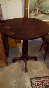 Antique parlour/tavern table