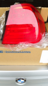 BMW 328i 300 series rear fender right hand tail light lens