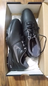 Mens size 12 Nike Golf Shoes