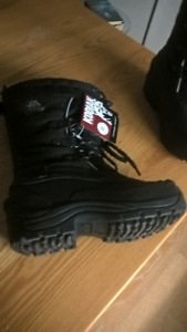 Kodiak Waterproof Snow Boots (Brand New with Tags) - Women's