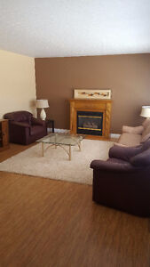Main Floor Rooms for Rent - Fully Furnished - Close to U of R