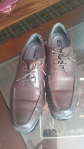 Mens/teen dress shoes.