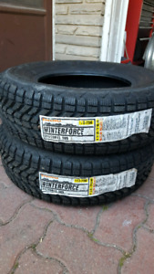 215/70R15 FIRESTONE WINTERFORCE
