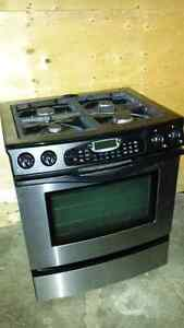 Jenn Air from Maytag gas oven stove!