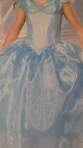 5 princess dresses size 10 to 14X  for kids. great for dress-up