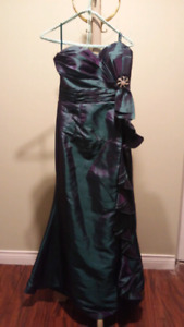 Beautiful prom/evening gown!