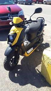 Yamaha zuma bws 2014+3casques+Alarme+GPS stand ,cover,negotiable