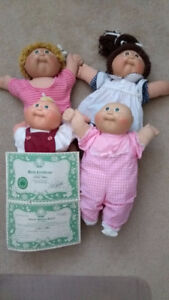 Lot of Cabbage Patch Dolls