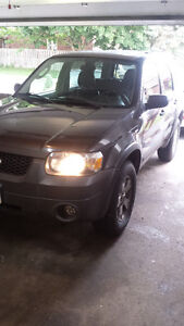 2006 Ford Escape XLT Mint Well Maintained Low KM'S