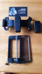 Étui nüüd et  boucle de ceinture LifeProof (iPhone 5/5s/SE) noir