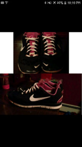 Womans Nike runners. Great condition