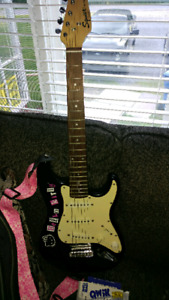 Guitare fender pour enfants hello kitty