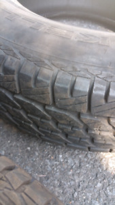 3 summer tire almost new 99$for all 3 size 215/70r15