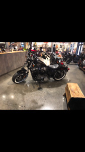 2016 Harley sportster 48 like new !