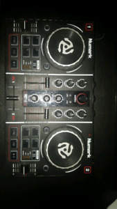 Numark PARTYMIX DJ Controller with Built in LED Light Show