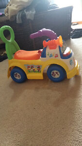 Ride on/push toys. Bumbo and exersaucer