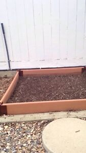 4 Flower bed boxes