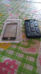 Iphone 5s case and a screen
