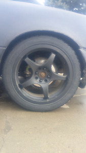 4 bolt/multi bolt 17 inch rims. With tires
