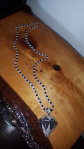 BEAUTIFUL NECKLACE FOR SALE