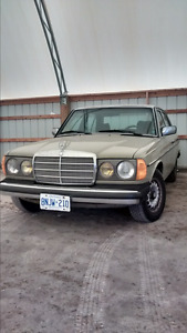 1985 MERCEDES-BENZ 300D TURBO DIESEL, GREAT SHAPE, RARE COLOUR!