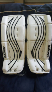 Youth Goalie Pads 24 +1