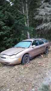 1996 ford taurus for parts or fixer uper
