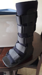 Medical fracture boot walker