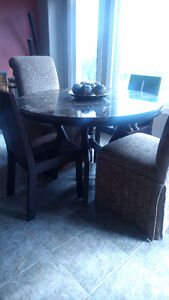 Round Dinette Table - $95.00 OBO