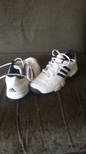 White Adidas shoes size 7 1/2