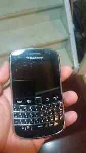 Unlocked Bold 9900 with accessories