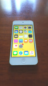 iPod touch 5th gen 32GB green/white - great condition!