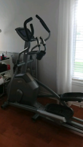 Elliptique Vision Fitness V30