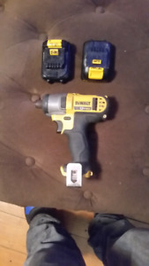 Dewalt 12v impact driver with 2 batteries & charger