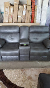 Double reclining love seat with console - Delivery Available