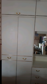 White Cabinet with drawers and mirror