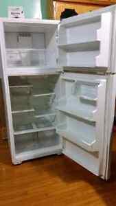 Maytag refrigerator  Kitchener / Waterloo Kitchener Area image 3
