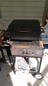 BBQ on portable stand with 20lb tank